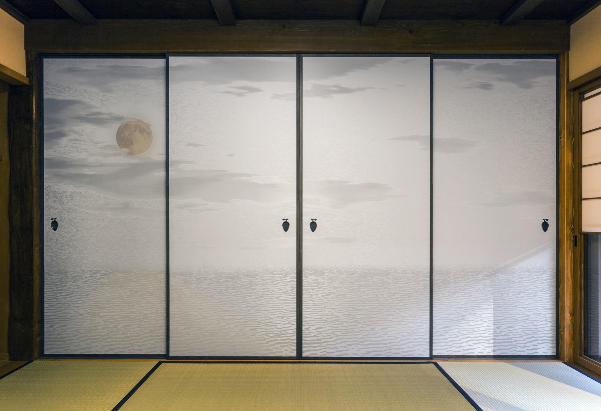 KYOGO_fusuma_cloth_moon
